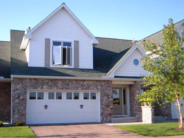 475 Golf Hill Ct, Green Lake, WI 54941 (#1870701) :: HomeTeam4u