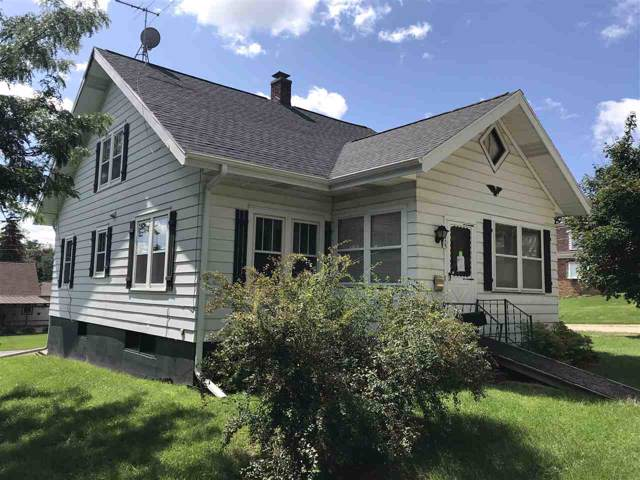 415 W Fountain St, Dodgeville, WI 53533 (#1870875) :: Nicole Charles & Associates, Inc.