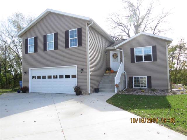 331 Lisa Ct, Baraboo, WI 53913 (#1870958) :: HomeTeam4u