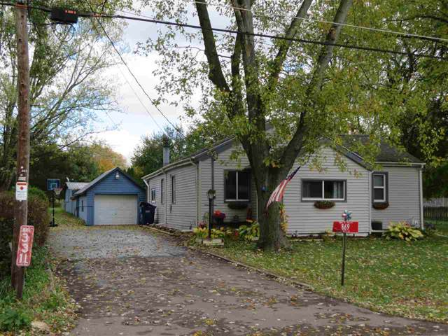 869 S West St, Beloit, WI 53511 (#1871086) :: Nicole Charles & Associates, Inc.