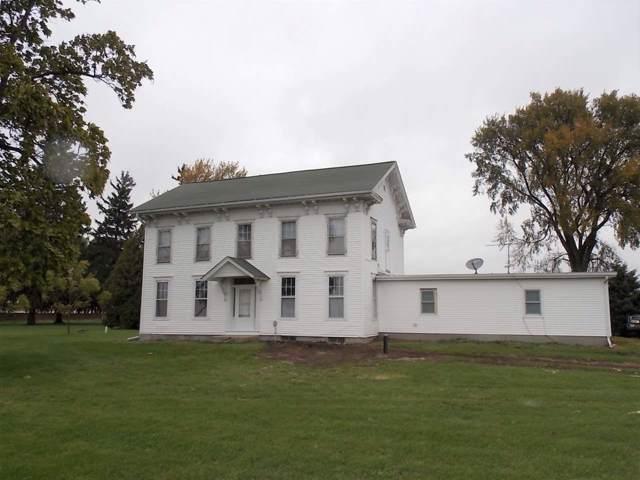 8423 E County Rd A, Johnstown, WI 53546 (#1871179) :: HomeTeam4u