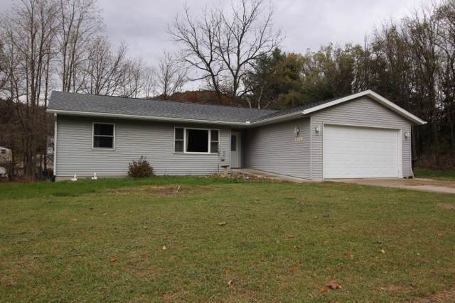 1189 Haseltine Ct, Richland Center, WI 53581 (#1872045) :: HomeTeam4u