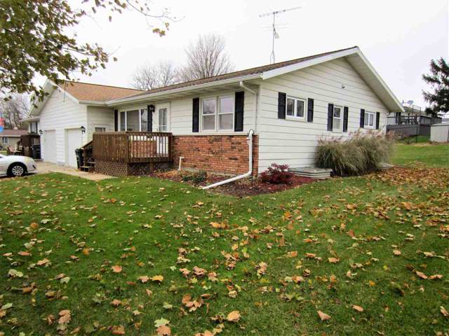 106 25th Ave, Monroe, WI 53566 (#1872197) :: HomeTeam4u