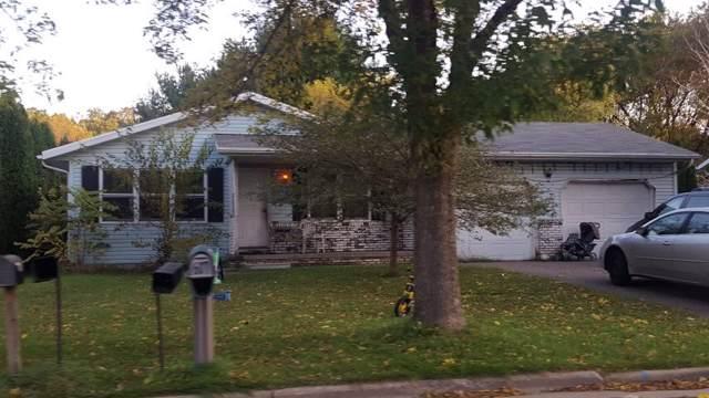 608 Naragansett Ave, Baraboo, WI 53913 (#1872348) :: HomeTeam4u