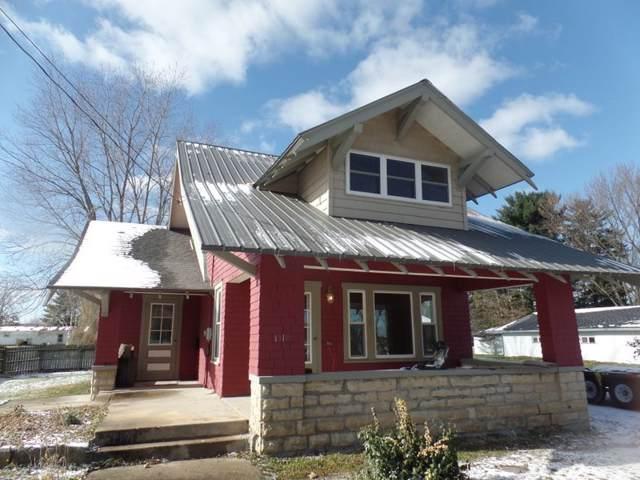 1518 Wisconsin Ave, Boscobel, WI 53805 (#1872434) :: Nicole Charles & Associates, Inc.