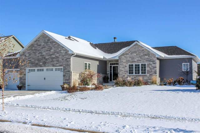 817 Bluebird Pass, Cambridge, WI 53523 (#1872511) :: Nicole Charles & Associates, Inc.