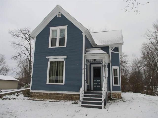 216 W 4th St, Westfield, WI 53964 (#1872519) :: HomeTeam4u