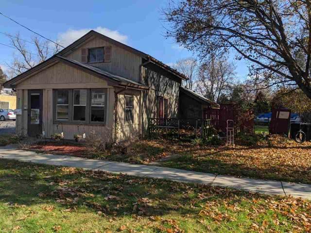 709 S Washington St, Janesville, WI 53548 (#1872637) :: HomeTeam4u