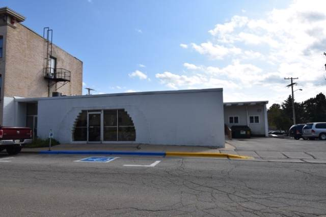 105 W Division St, Dodgeville, WI 53533 (#1872818) :: HomeTeam4u