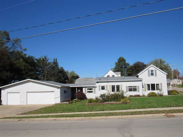 2019 11th Ave, Monroe, WI 53566 (#1872953) :: HomeTeam4u