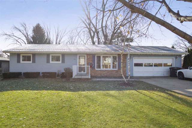 725 Eisenhower Rd, Stoughton, WI 53589 (#1873276) :: HomeTeam4u