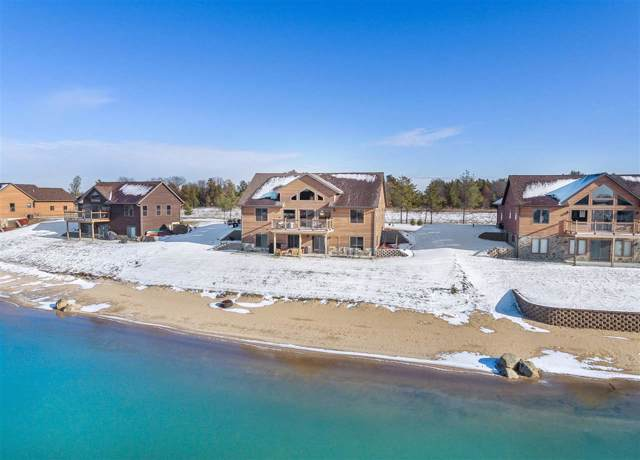 W5614 Island Lake Dr, Germantown, WI 53950 (#1873288) :: HomeTeam4u