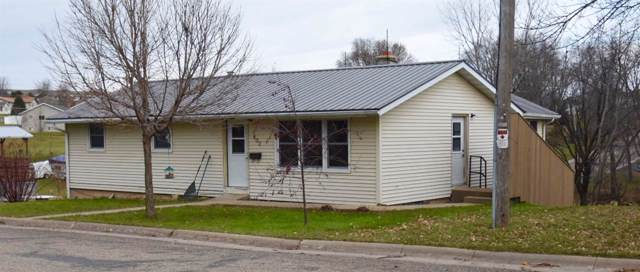 807 N Johns St, Dodgeville, WI 53533 (#1873356) :: Nicole Charles & Associates, Inc.