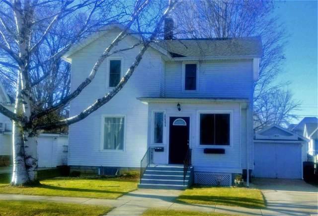 1111 23rd Ave, Monroe, WI 53566 (#1873662) :: HomeTeam4u