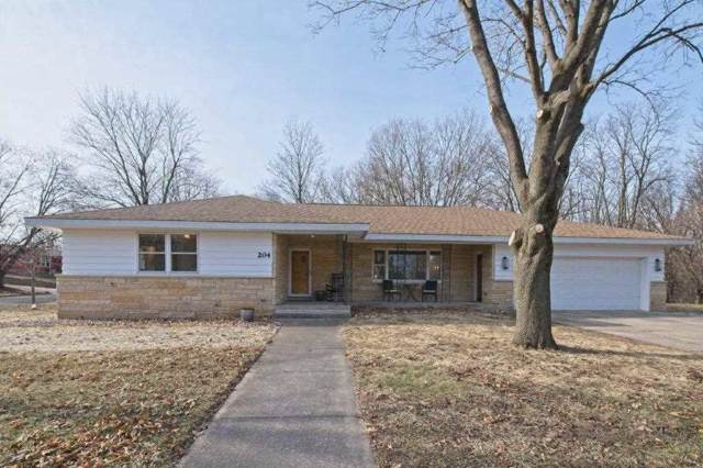 204 James St, Portage, WI 53901 (#1874094) :: Nicole Charles & Associates, Inc.