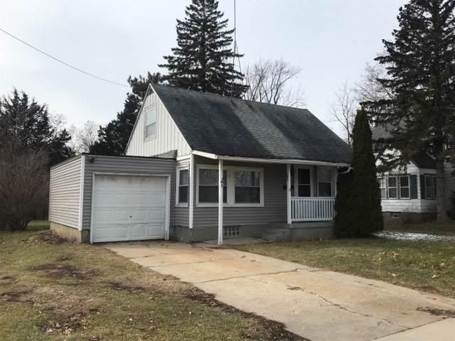 1122 W Wisconsin St, Portage, WI 53901 (#1874301) :: Nicole Charles & Associates, Inc.