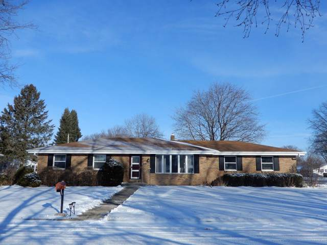 2221 Independence Rd, Janesville, WI 53545 (#1874322) :: Nicole Charles & Associates, Inc.