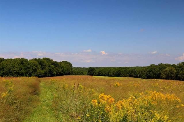 420 Ac County Road Q, Dodgeville, WI 53533 (#1875949) :: HomeTeam4u
