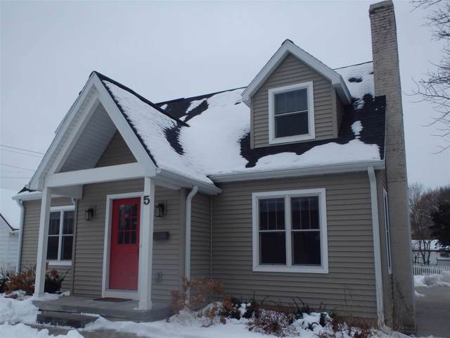 5 Oxford Pl, Maple Bluff, WI 53704 (#1876103) :: HomeTeam4u