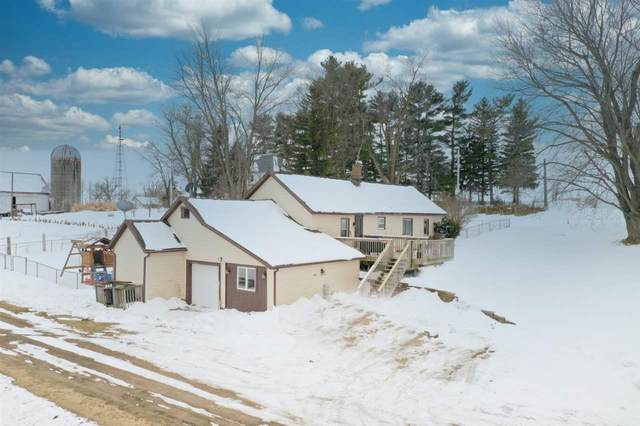 9911 Barton Rd, Blue Mounds, WI 53572 (#1876761) :: HomeTeam4u