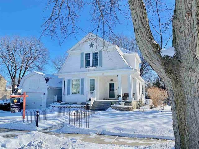 352 Park Ave, Prairie Du Sac, WI 53578 (#1876829) :: Nicole Charles & Associates, Inc.
