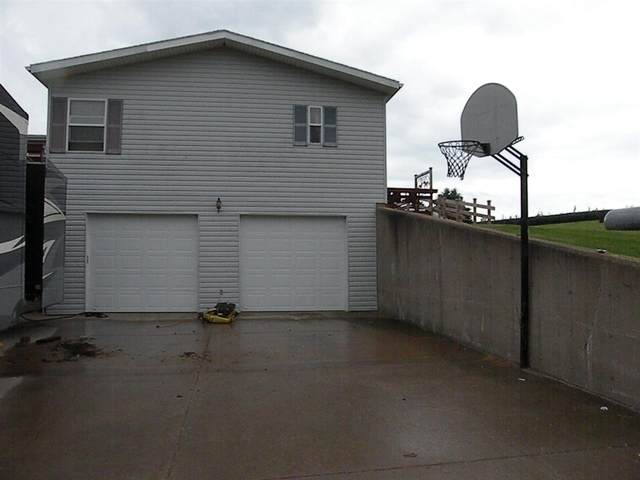 10601 Hickory Rd, Bloomington, WI 53804 (#1876963) :: Nicole Charles & Associates, Inc.