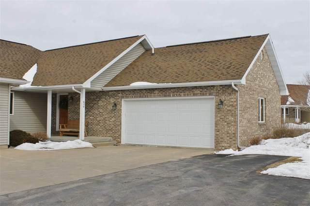 624 Prairie Hills Dr, Dodgeville, WI 53533 (#1876969) :: HomeTeam4u