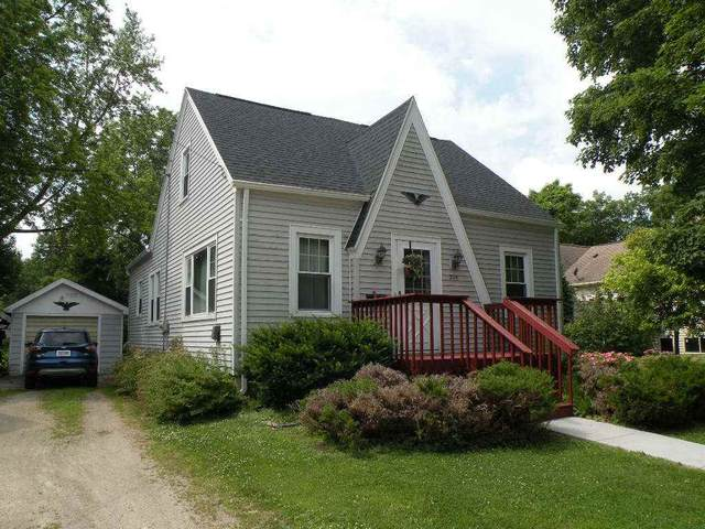305 Howard St, Ripon, WI 54971 (#1877086) :: HomeTeam4u