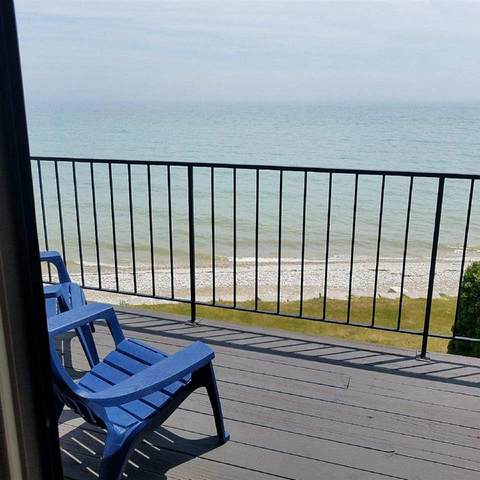 160 Summit Beach Dr, Algoma, WI 54201 (#1877160) :: HomeTeam4u