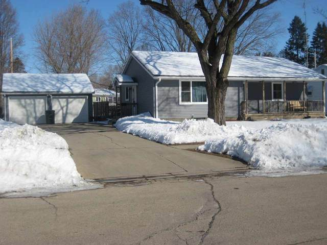 38 Wa Wa Ave, Ripon, WI 54971 (#1877363) :: HomeTeam4u