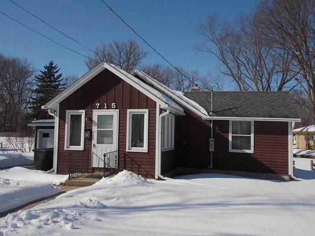 715 Mulberry St, Lake Mills, WI 53551 (#1877827) :: HomeTeam4u
