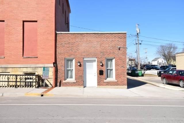 106 E Division St, Dodgeville, WI 53533 (#1878585) :: HomeTeam4u
