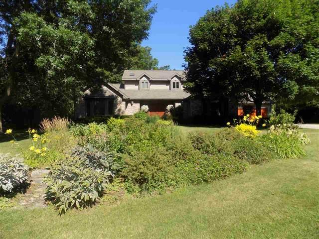 5919 Woods Edge Rd, Fitchburg, WI 53711 (#1878697) :: Nicole Charles & Associates, Inc.