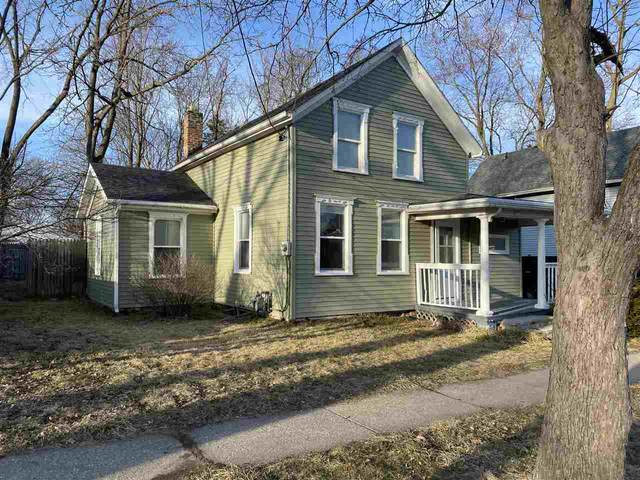 614 Johnson St, Janesville, WI 53548 (#1879922) :: HomeTeam4u