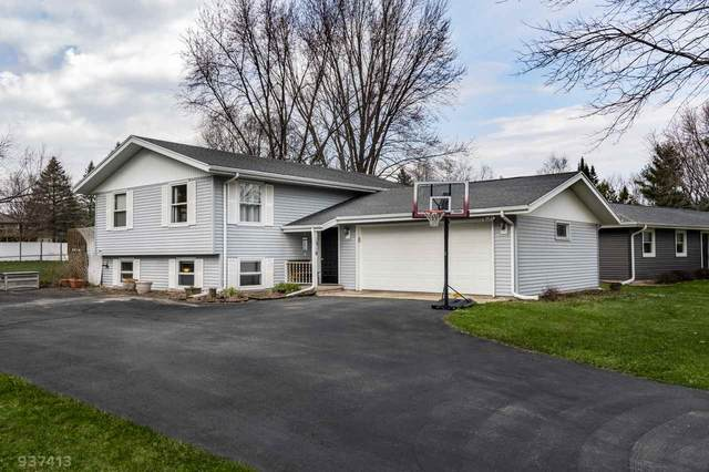 1318 Johnson St, Stoughton, WI 53589 (#1880140) :: HomeTeam4u