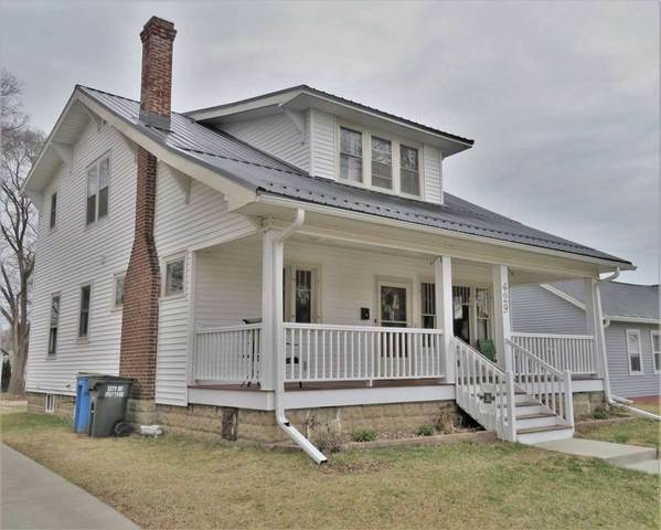429 W Pleasant St, Portage, WI 53901 (#1880250) :: Nicole Charles & Associates, Inc.