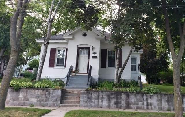 309 W Edgewater St, Portage, WI 53901 (#1880610) :: Nicole Charles & Associates, Inc.