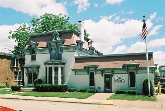 65 N Elm St, Platteville, WI 53818 (#1881179) :: HomeTeam4u