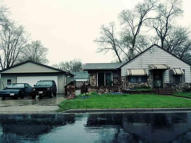 1445 E Bayliss Ave, Beloit, WI 53511 (#1882225) :: HomeTeam4u