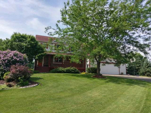 6734 Parkway Dr, Bristol, WI 53590 (#1882394) :: Nicole Charles & Associates, Inc.