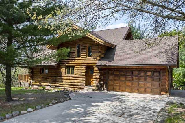 W11080 Lake View Dr, Lodi, WI 53555 (#1882550) :: HomeTeam4u