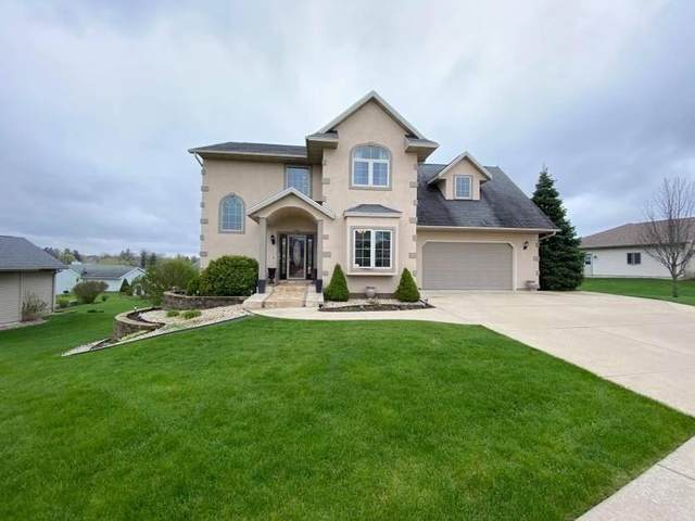 1218 N 4th St, Monroe, WI 53566 (#1882662) :: HomeTeam4u