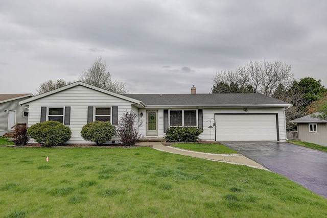 2922 Maple Grove Dr, Madison, WI 53719 (#1882801) :: Nicole Charles & Associates, Inc.
