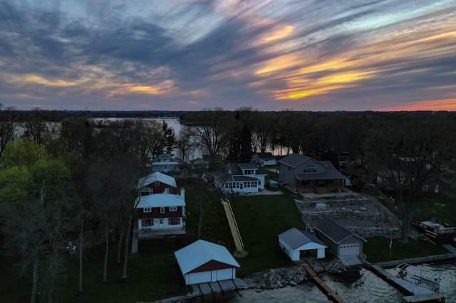 N10810 Maple Point, Fox Lake, WI 53933 (#1882940) :: HomeTeam4u
