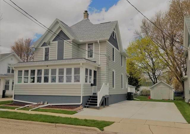 117 Randolph St, Randolph, WI 53956 (#1883084) :: Nicole Charles & Associates, Inc.