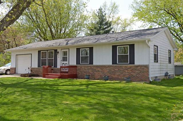 318 Meadow Ln, Mazomanie, WI 53560 (#1883375) :: HomeTeam4u