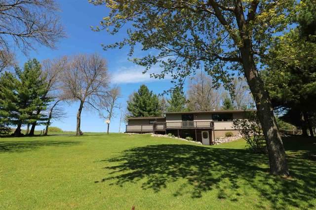S2768 Golf Course Rd, Reedsburg, WI 53959 (#1883401) :: HomeTeam4u