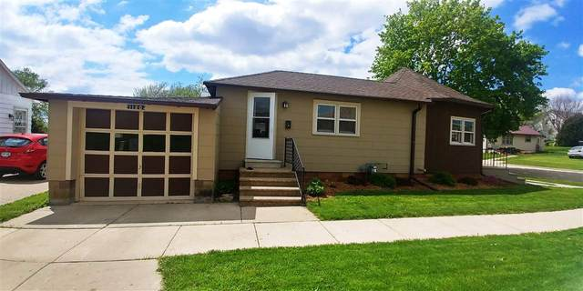 1120 Madison St, Fennimore, WI 53809 (#1883771) :: HomeTeam4u