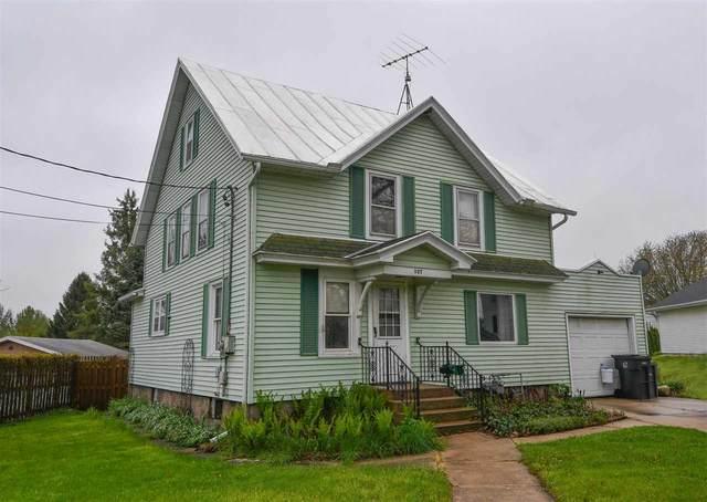 537 Kekoskee St, Mayville, WI 53050 (#1883792) :: HomeTeam4u