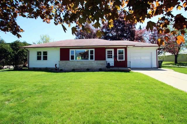 806 N Main St, Lake Mills, WI 53551 (#1883809) :: Nicole Charles & Associates, Inc.